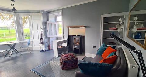 The Cottage @ Aikenhead House - Relax/Explore
