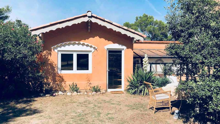 Lovely studio, garden+swimming pool, 3km from Aix
