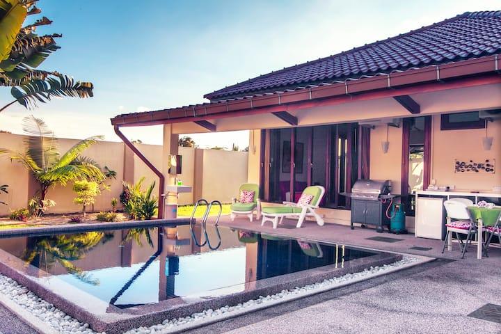 ★★ The Villa ★★ Luxury Private Pool Villa ★★