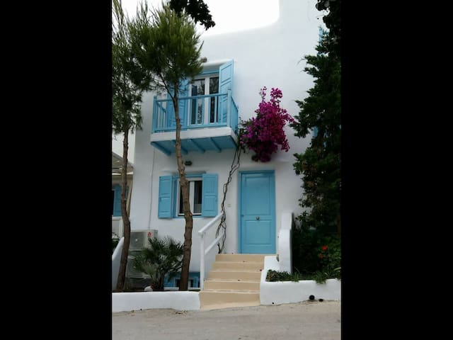 Mykonos efis and dimis maisonette (5 adults)