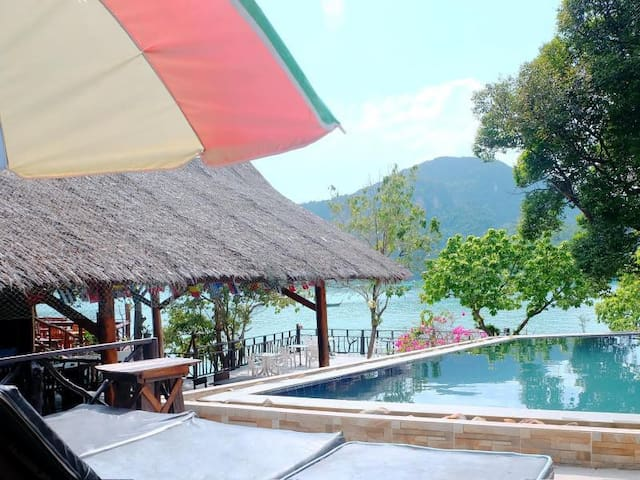 Phi Phi Cozy Seafront Resort - Superior Sea View - Krabi - Bungalow