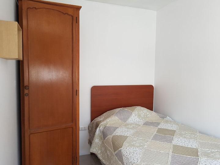 Habitación individual con baño - San Borja