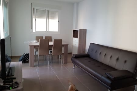 Nuevo apartamento en la playa de piles