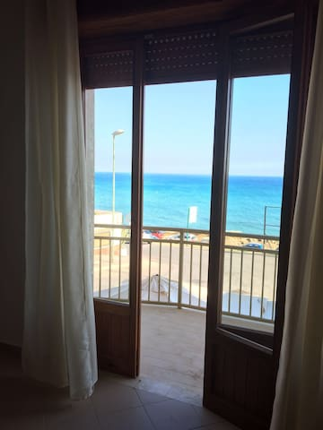 appartamento 4 posti fronte mare - Marinella - Apartment