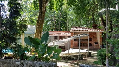 Rustic country house / Casa de campo rústica