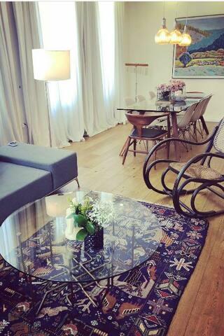 Shak art gallery luxury villa