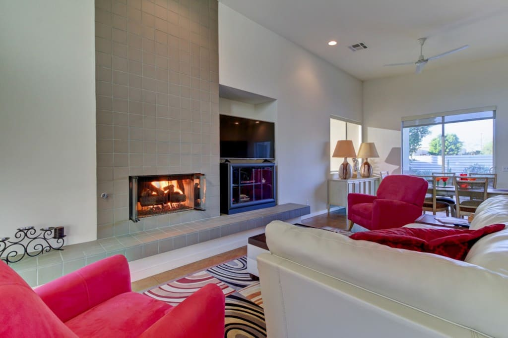 Modern and Cozy Fireplace - Relax in Winter Months