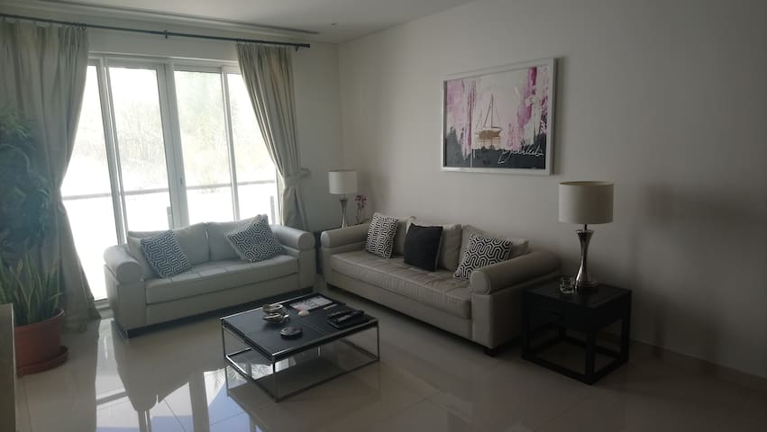 Excellently located Luxury apartment in The Wave