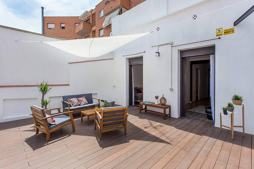 Piso de dise o con terraza en poble sec apartamentos en - Pisos diseno barcelona ...