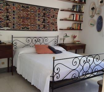 La suite con terrazzo nella villa al mare - Albissola Marina