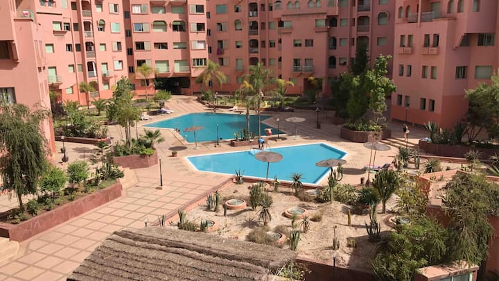 Beautiful city center appartement with Pool