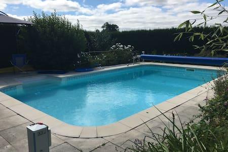 Maison Pineau - Heated in-ground Pool - Vaux-en-Couhé - บ้าน