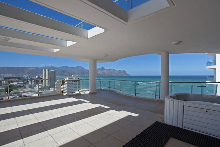 Sea view apartment - Hibernian Towers!