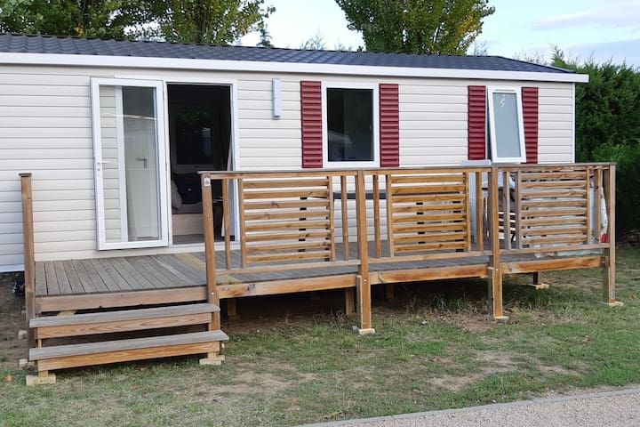 Mobil- home 32m2 neuf tout confort