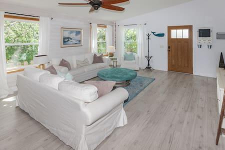Vilano Beach Garden Cottage