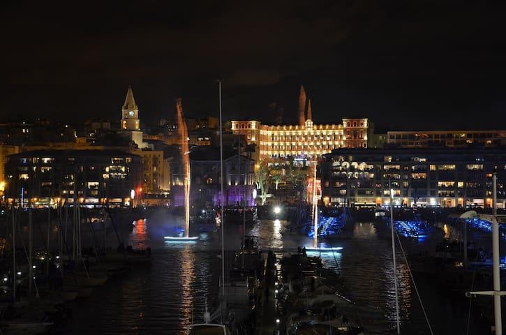 Grand loft vue Vieux Port à 180° - Marseille