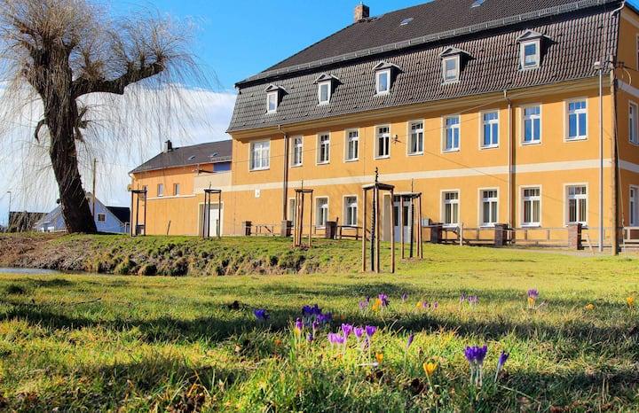 "Flat near to ""Renaissanceschloss Ponitz"" -castle"