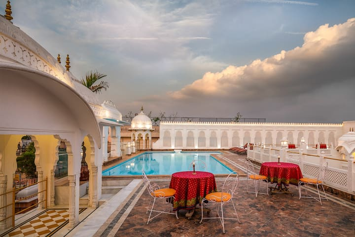 Royal Deluxe Room in Jaipur !