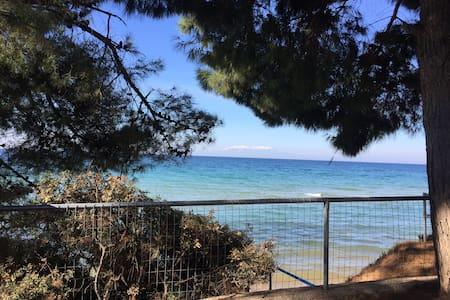 Домик у моря - Почти частный пляж - Nea Potidea - Hus
