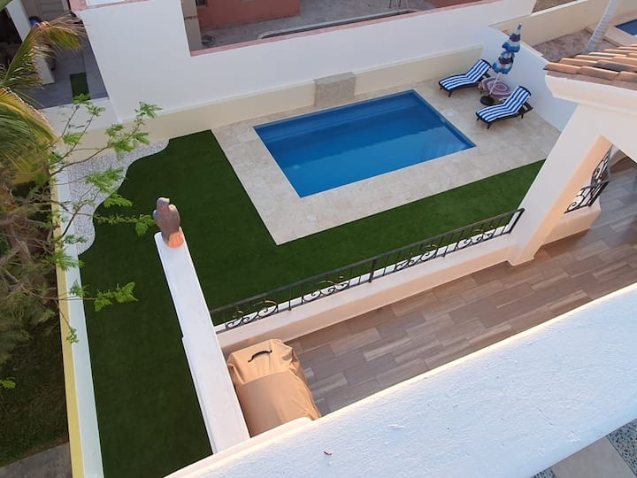 House at Marina Real with pool