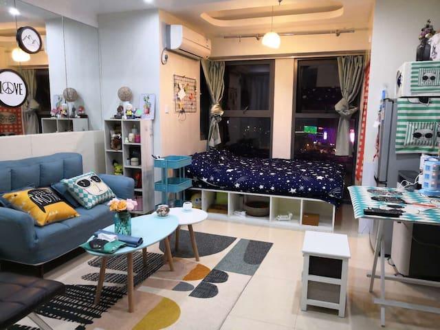 车站地铁附近+玄武湖畔小清新温馨酒店公寓+靠谱旅游指导
