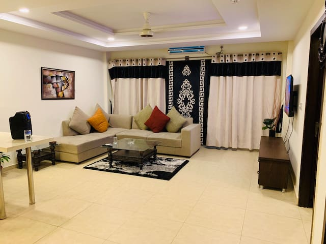1 Bedroom apartment in Bahria Town