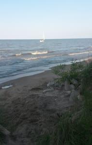 RNC beachfront rental - Cedar Point Road - Sandusky - 独立屋