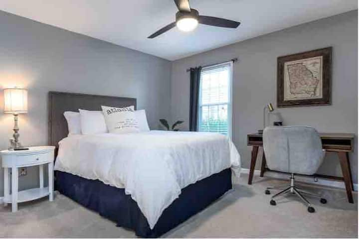Private Master Suite - near Braves Stadium