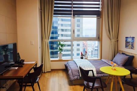 5 반월당/현대백화점건너. 최고 게스트하우스 - Huoneisto