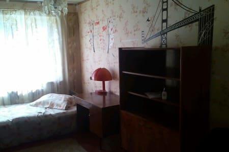 2-r. app. near sub. Studencheskaya - Харьков - Leilighet