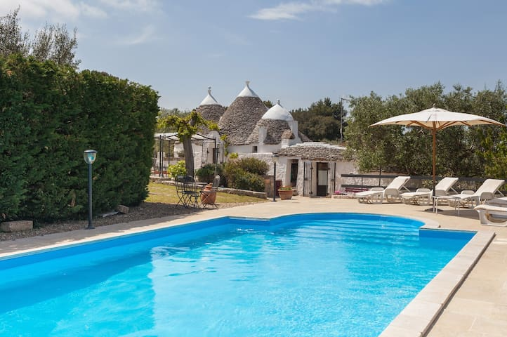 Authentic trullo with private heated pool