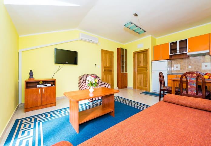 Apartments Dubelj - One-Bedroom Apartment - 2