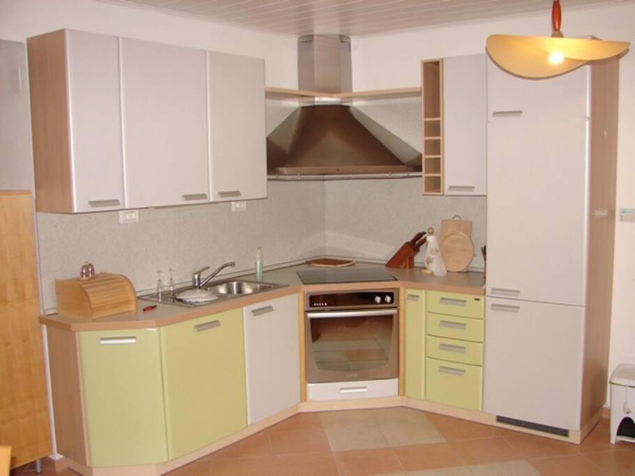 Kuhinja Kitchen Cucina