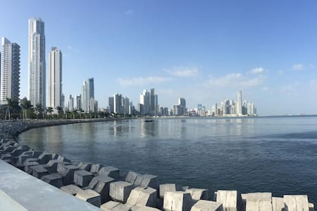 CHARM BAYFRONT APARTMENT - NEW - Panamá