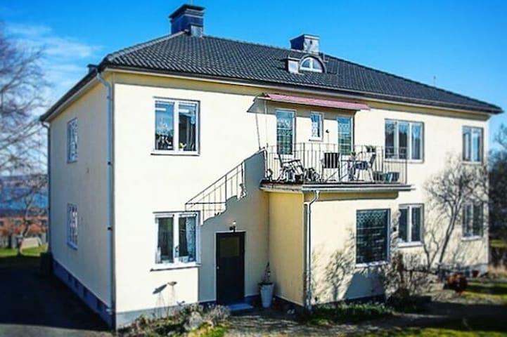 10-12 beds in villa apartment in central Jönköping