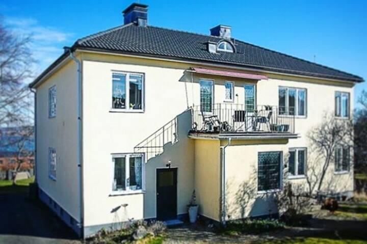 Spacious villa apartment in central Jönköping