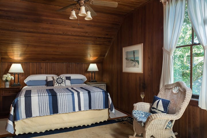 Luxury 2 Bedroom Suite at Magnolia Springs B&B