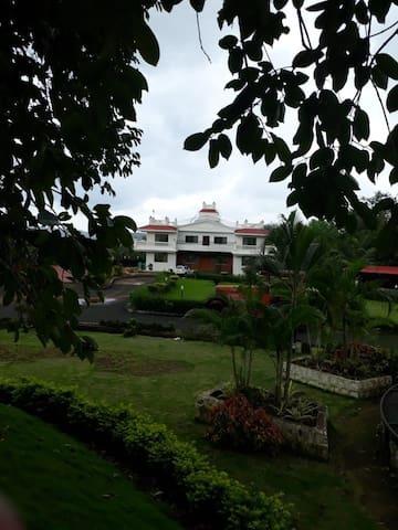 7 Bhk villa