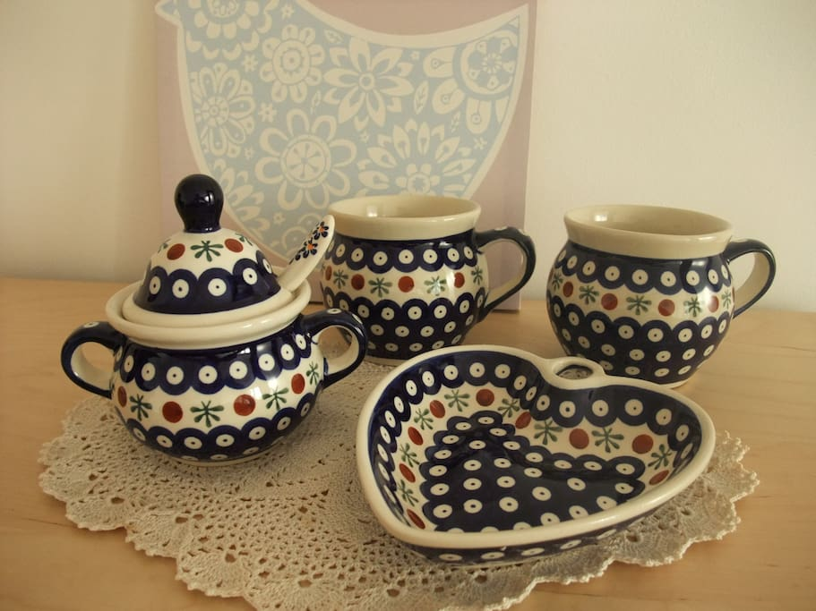 You can use polish pottery:)