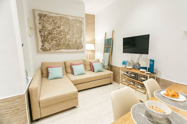 Beautiful Cosy 1BR City Center near Waterfront