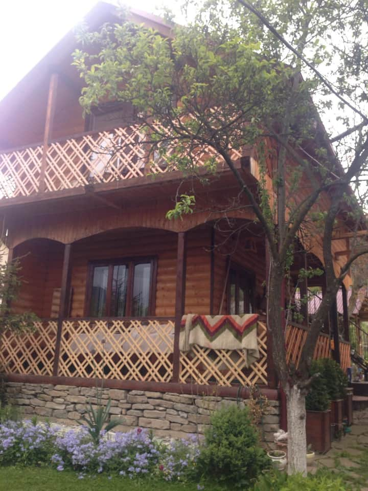 "Апартаменти ""Galyeriya"""