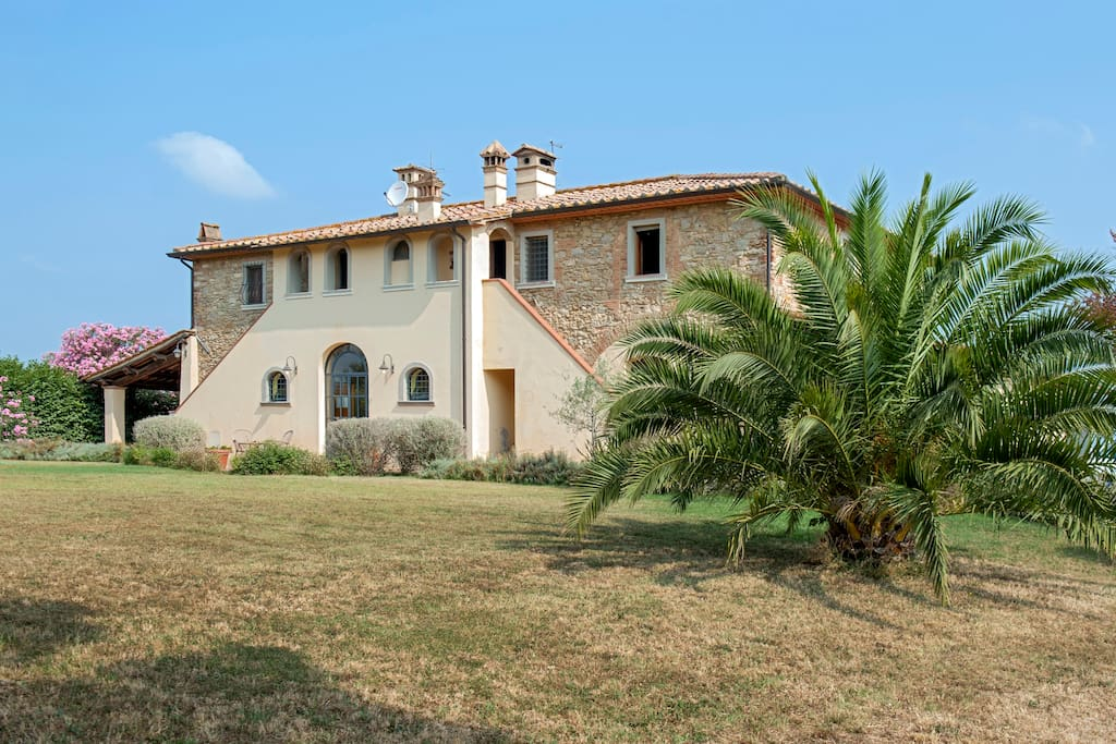 Casetta Rossa, 1400 mansion.