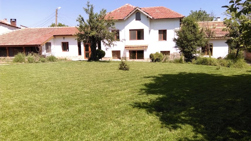 Rural Bulgarian Guest Accommodation with Pool