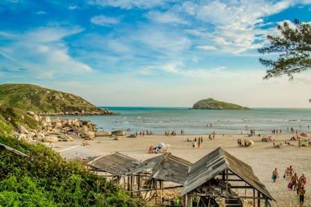 Quarto Praia da Vila Imbituba SC - 因比圖巴 - 獨棟