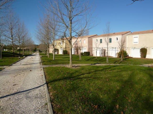 Maison 2 chambres,60m², proche Aix en provence