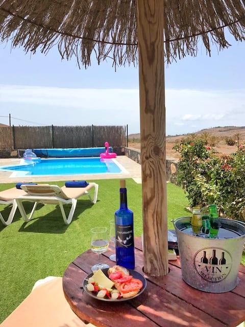 Villa El Valle. Piscina Climatizada