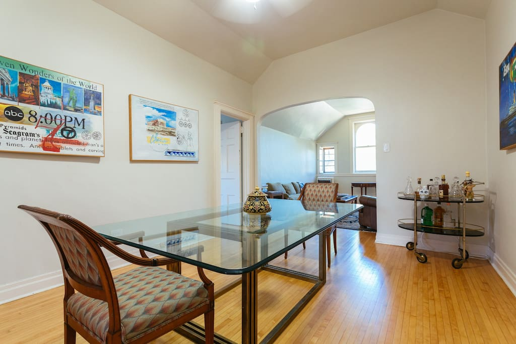 Two Bedroom In A Historic Lincoln Park Mansion Apartments For Rent In Chicago Illinois