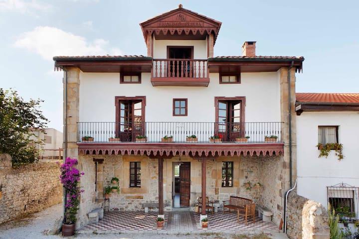 Espectacular villa Polanco - Casona - Polanco - Huis