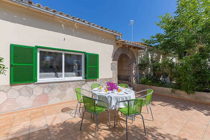 Can Paco: Nice house with jacuzzi near beach
