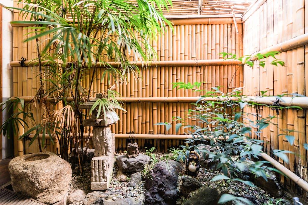 Casa machi ya con giardino interno case in affitto a for 4 piani di casa in stile ranch con 4 camere da letto